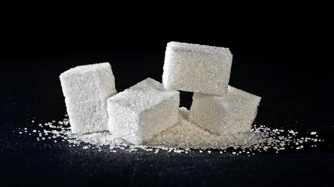 Сколько калорий в сахаре?