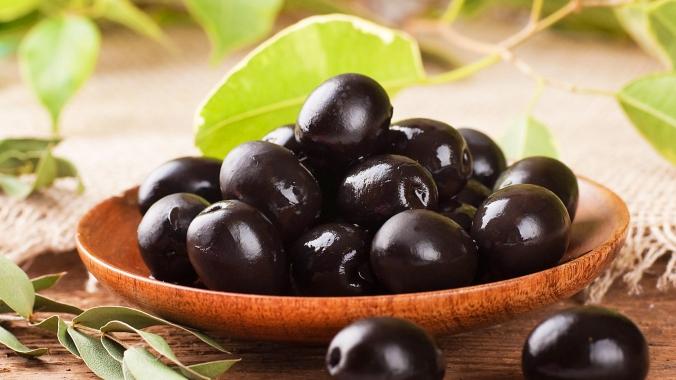 Что полезнее: оливки или маслины