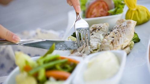 Что полезнее жиры белки или углеводы